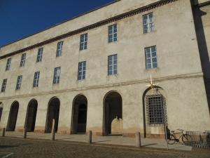 Het hoofdbureau van de politie in Kopenhagen komt in diverse Deense  televisieseries voor