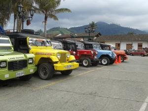 In Salento doen Willy's, jeeps uit WOII dienst als taxi