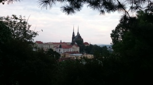 De Petrus- en Pauluskathedraal is vanaf bijna elk punt in de stad te zien.