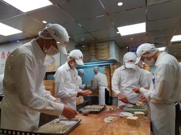 Elke xiaolongbao is met de hand gemaakt